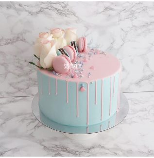 Gender reveal drip cake Sis Cakery